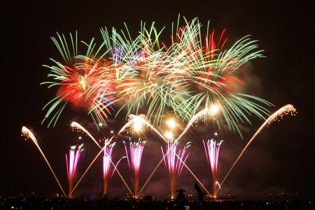 fireworks-fig1