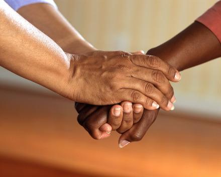 denise-hands